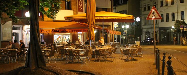 Cafe Bonn, Terrasse am Abend